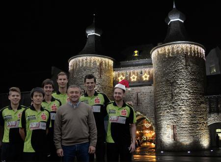 Das Team vor dem Hexenturm
